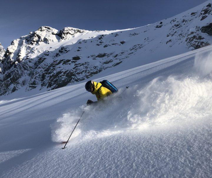Powder skiing, Advanced Backcountry Skiing Course